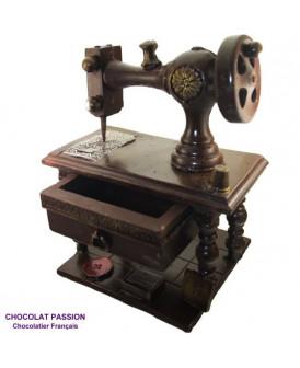 MACHINE A COUDRE en chocolat